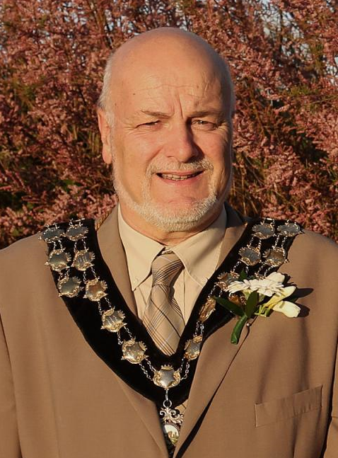 Peter Lewis Mayor 2000/01, 2004/05, 2017/18